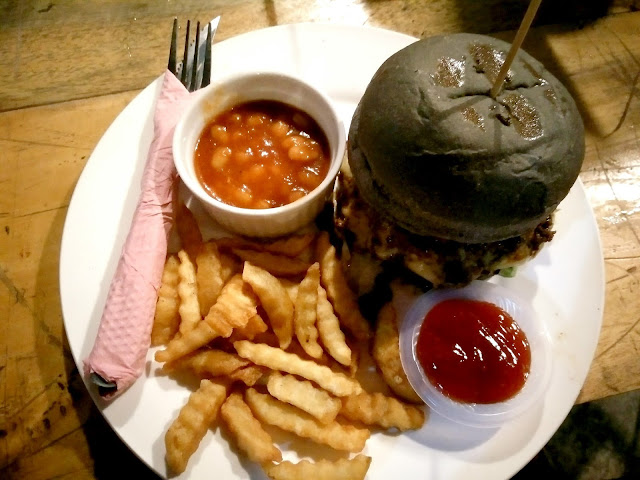 Makan Burger di Big Mouth Cafe Senawang, Kafe Big Mouth dalam D'Cattleya Senawang, Waktu operasi Big Mouth Cafe Senawang, Menu Big Mouth Cafe