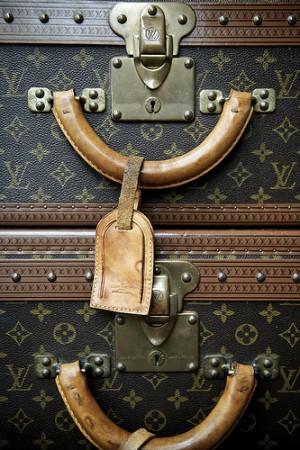 d4d0f91750f7 Louis Vuitton. У кого-то сразу перед глазами появляются коричневые  квадратики, буковки и цветочки. Кто-то сразу вспоминает подземный переход и  сумки по 2000 ...