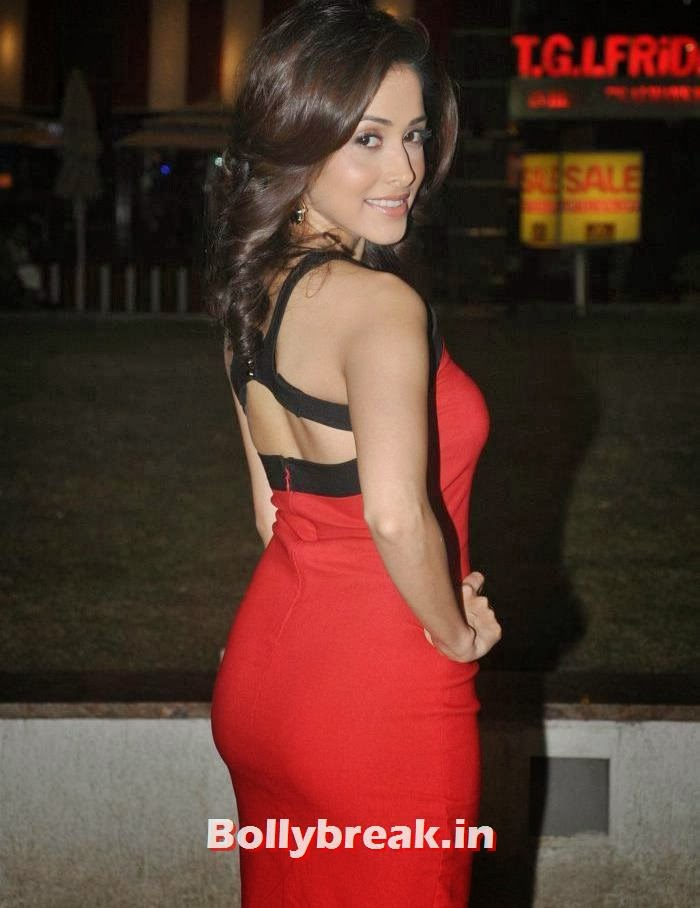 nushrat bharucha hot pic, Nushrat Bharucha Hot in Red Dress for Darr @ the Mall Movie Promotion