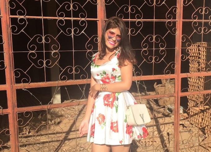 Look Vestido de Cetim Floral