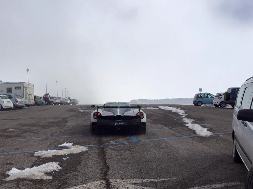Pagani Huayra BC cháy hàng trước ngày ra mắt