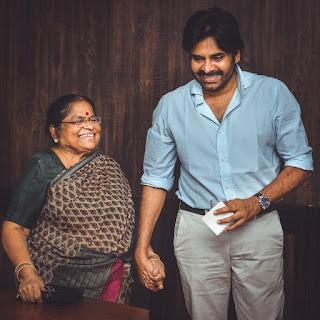 Pawan Kalyan Latest Photos, Pawan Kalyan With Her Mother Receiving Check For JSP