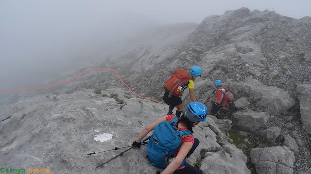 Descendiendo del Pico Cotalba en Picos de Europa