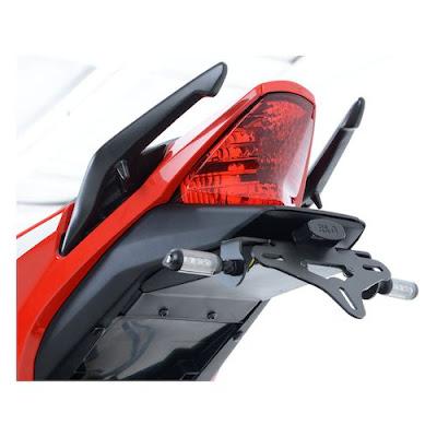 2016 Honda CBR300R taillight