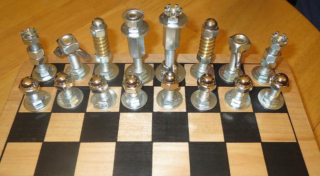 vidalardan satranç yapımı