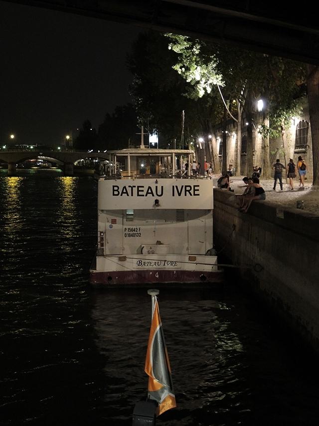 Parijs: bootje varen op de Seine