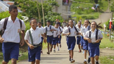 Makalah Fenomena Pendidikan Di Indonesia