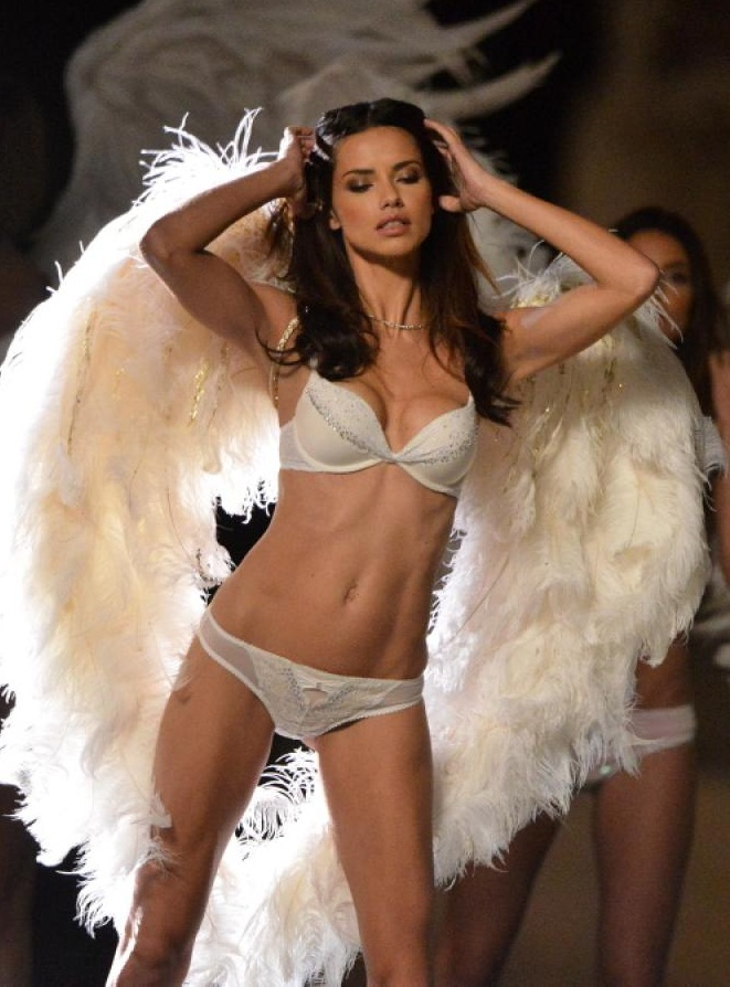 Adriana Lima Unseen Pictures