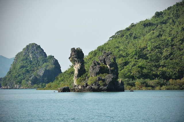Bai Tu Long Bay - ideal destination for your vacation 1