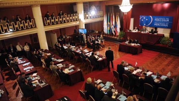 Parlasur enviará comisión de la Mesa Directiva a Venezuela a evaluar la crisis del país