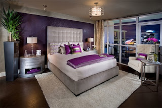 Cuarto color púrpura