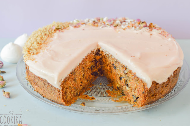 Carrot cake with beetroot