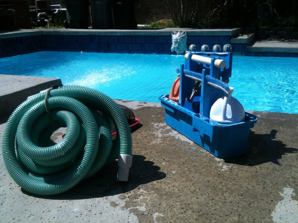 An Expert's Guide to Choosing Pool Equipment