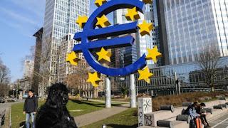 Σενάρια για την κατάρρευση του Ευρώ: Δεν υπάρχουν στέρεα θεμέλια, υποστηρίζουν οικονομολόγοι