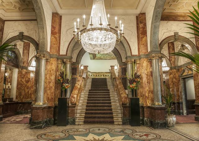 HotelRussellFoyerSML-2000x1413.jpg