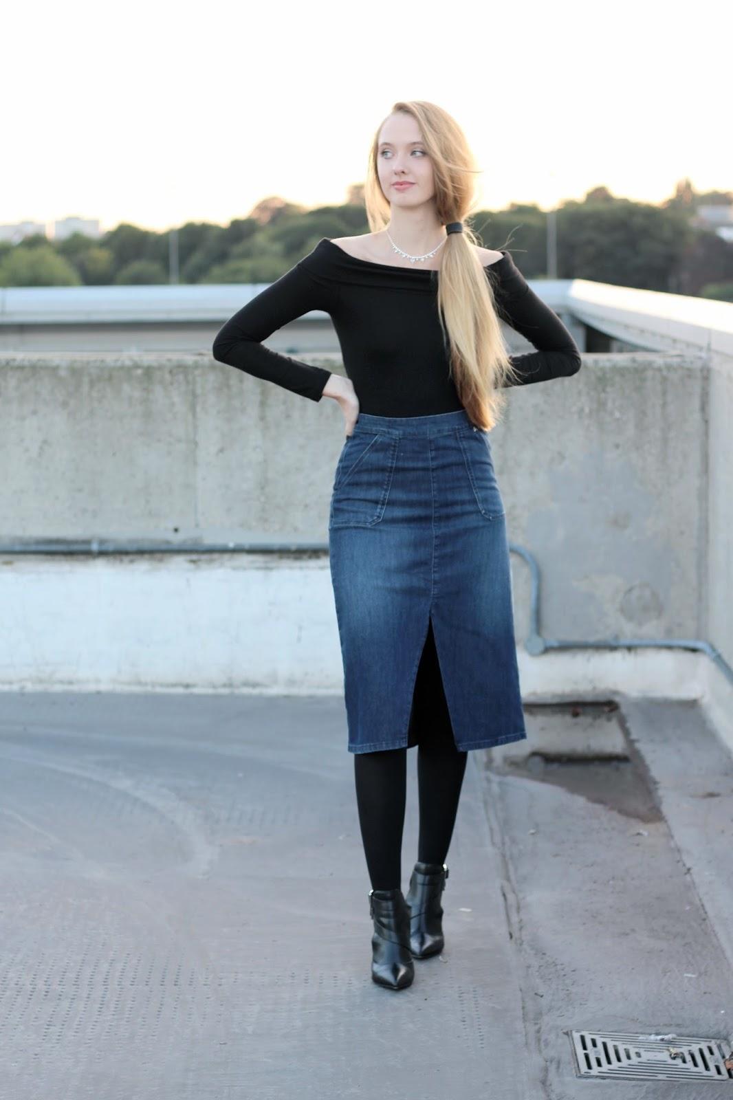 Denim midi skirt styling in autumn style blogger