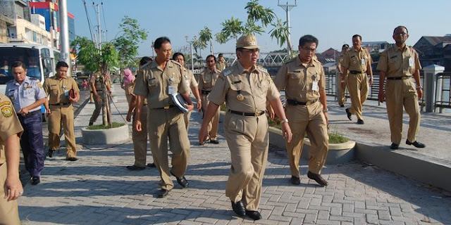 Kenaikan gaji PNS dinilai bentuk pencitraan Jokowi di tahun politik