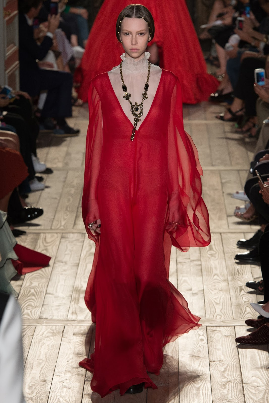 Runway  Valentino Fall 2016 Couture Fashion Show  Cool Chic Style Fashion