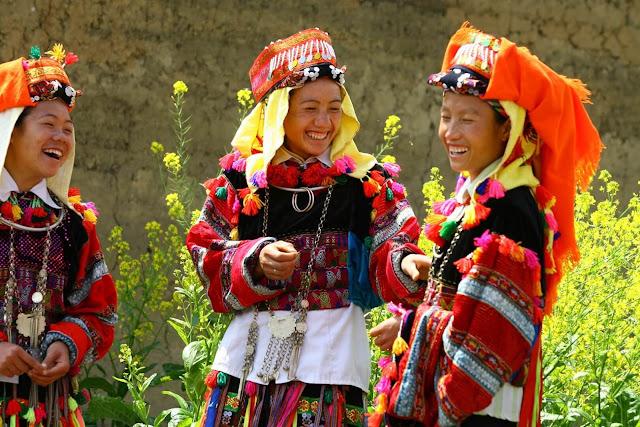Hà Giang có nhiều đồng bào dân tộc thiểu số như H'mong, Dao, Tày,…do đó văn hóa lễ hội Hà Giang là sự tổng hợp nét tinh hoa độc đáo của nhiều vùng miền. Cùng tìm hiểu về những lễ hội văn hóa ở đây để có thể đến vào đúng thời điểm và có những trải nghiệm đầy mới mẻ ở mảnh đất này nhé.