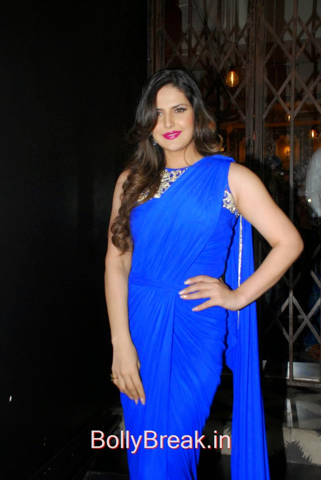 Zarine Khan Pics in Blue Saree, Hot HD Images Of Zarine Khan in Blue saree from Zulekhans Collection Launch