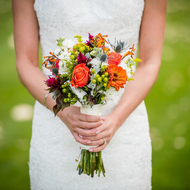 kolorowy bukiet ślubny, mały bukiet ślubny