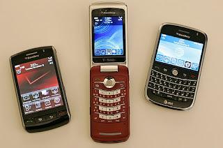 BlackBerry+Storm,+BlackBerry+Pearl+Flip,+BlackBerry+Bold+(tahun+2008)
