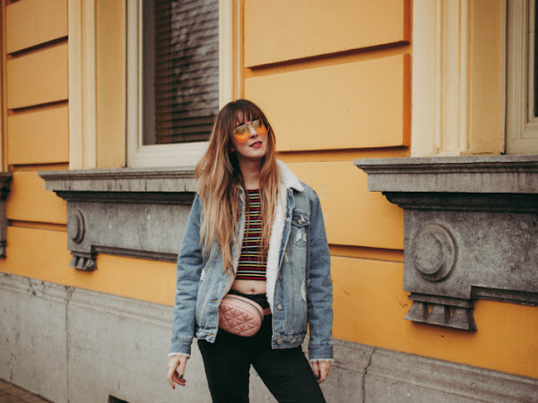 Outfit: 70s vibes in crop top and Adidas gazelles