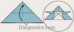 Bước 8: Mở lớp giấy trên cùng ra, kéo và gấp lên trên.