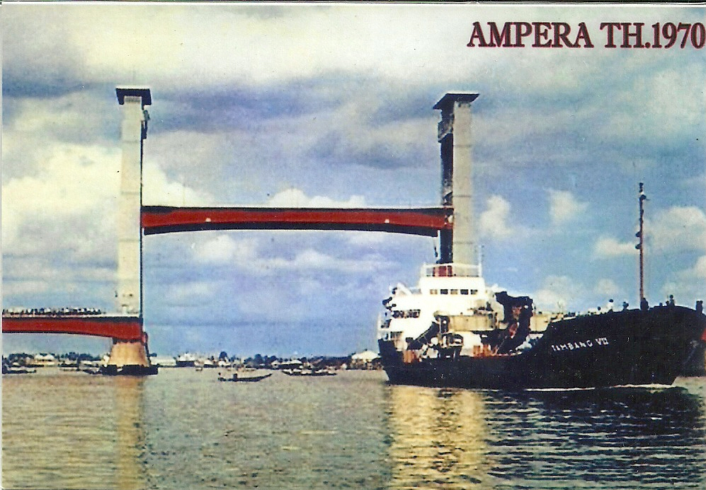 Gambar Jembatan Ampera Versi Jadul Ternyata Lebih Menarik