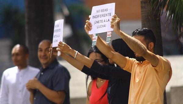 Detienen a trabajadores de Empresas Polar mientras manifestaban en Los Cortijos