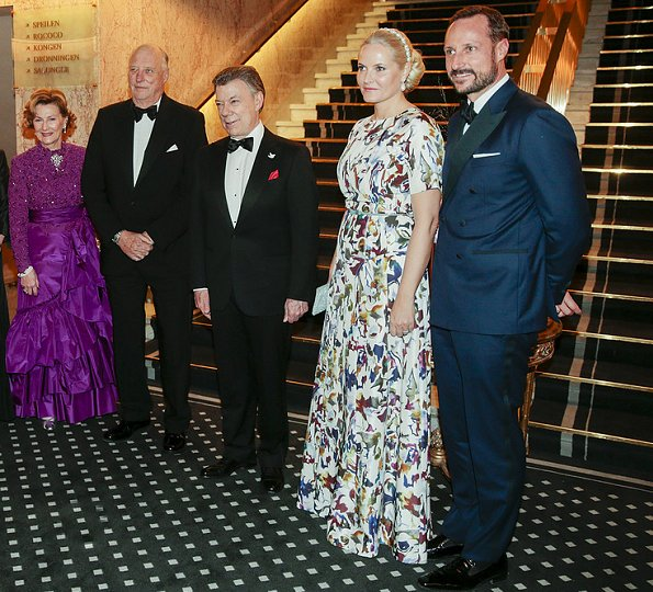 Queen Sonja, Crown Princess Mette-Marit attended the 2016 Nobel Peace Prize banquet. VBH Clutch, FWSS Dress