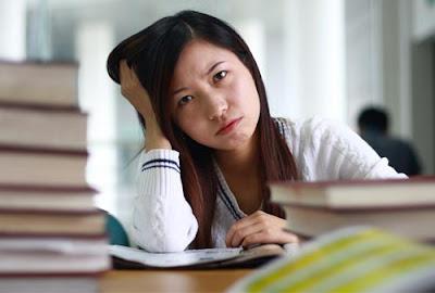 4 Kebiasaan Buruk Mahasiswa yang Terjadi di Akhir Bulan