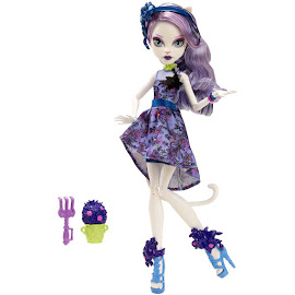 MH Gloom and Bloom Catrine DeMew Doll