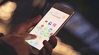 Come raggruppare app su Android e iPhone