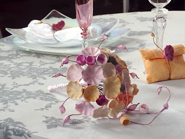bouquet con fiori di carta e segnaposto dipinti a mano per Matrimonio Ecologico