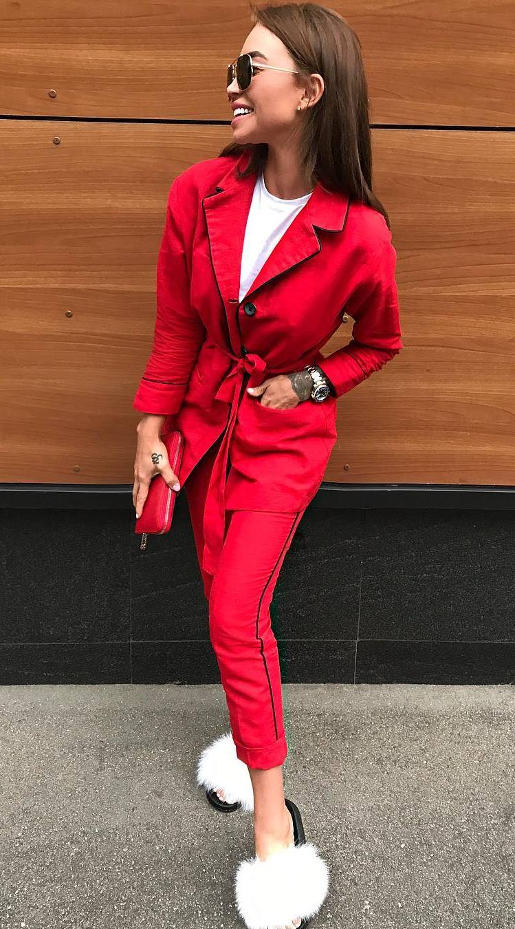amazing outfit idea for this season / red suit + clutch + white t-shirt + fur slides