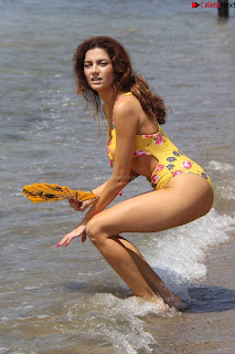 Blanca+Blanco+Beautiful+ass+booty+in+Yellow+Swimsuit+%7E+Celebritybooty.co+exclusive+ass+009.jpg