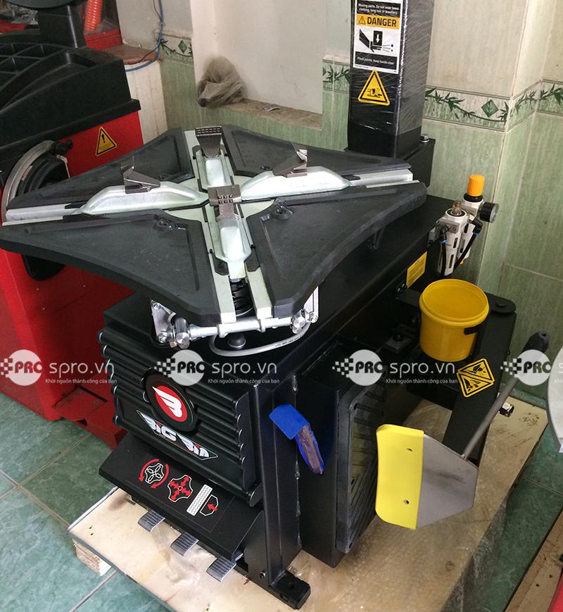 Máy tháo vỏ xe tay ga, ô tô du lịch Hàn Quốc BIGBIN BP-888