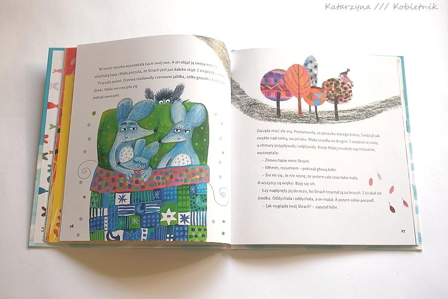 książka z kreskówki z dżungli
