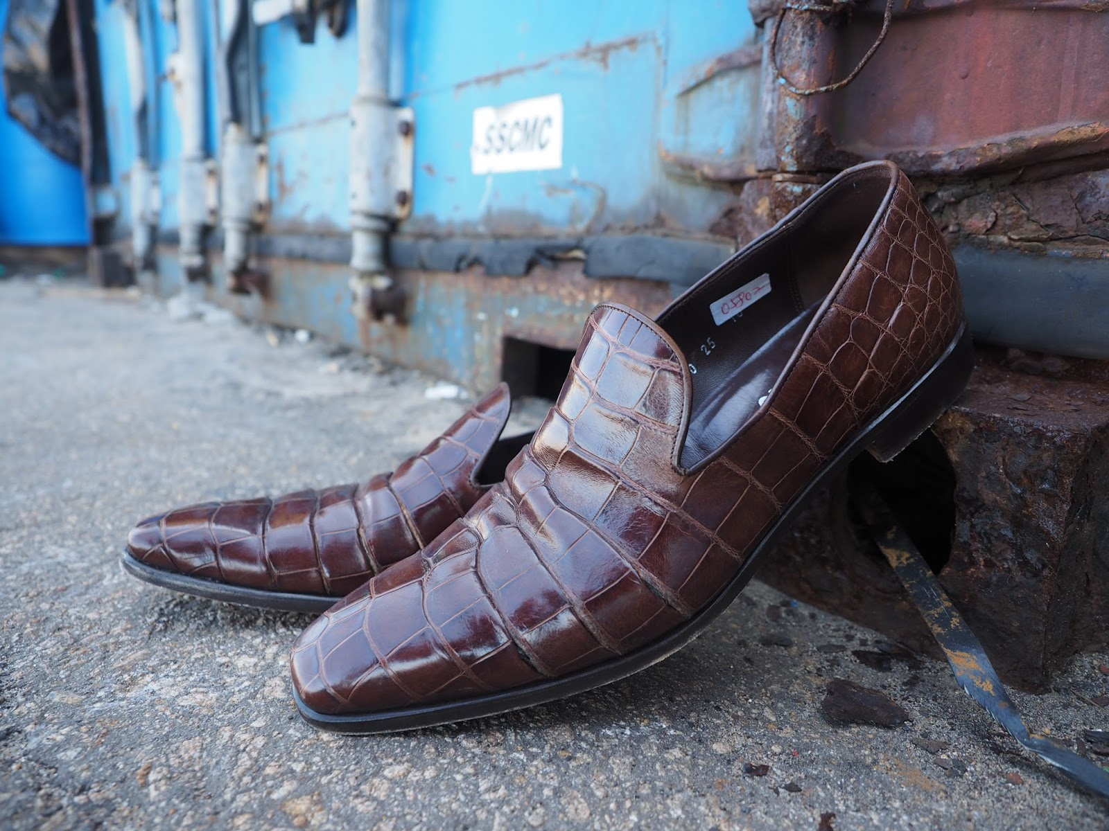 Ferragamo leather skin shoes brown