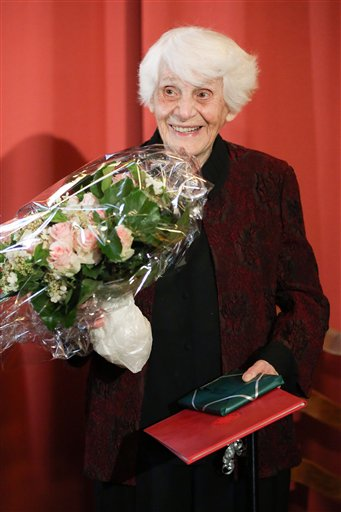 102 Years Old Woman gets Doctorate after 77 years from a German University