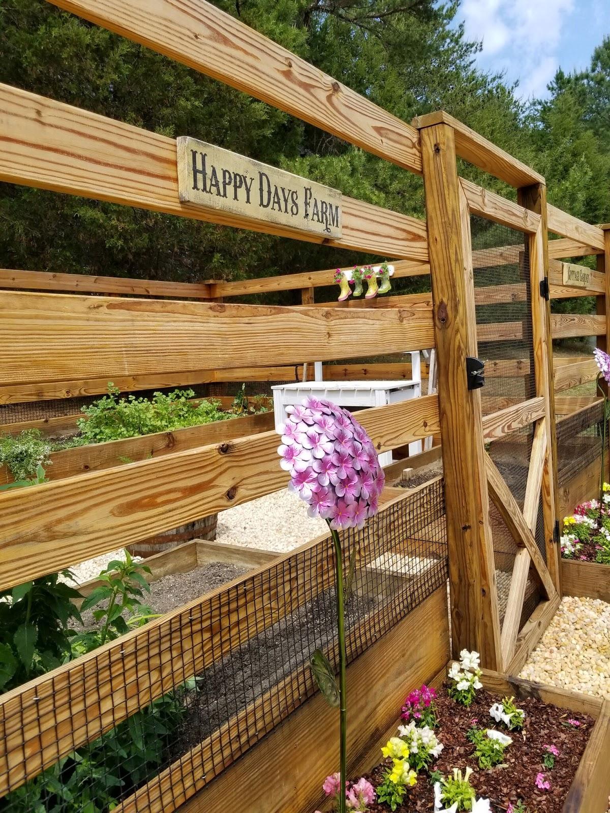DIY Repurposed Rain Boot Garden Planters   Happy Days Farm®