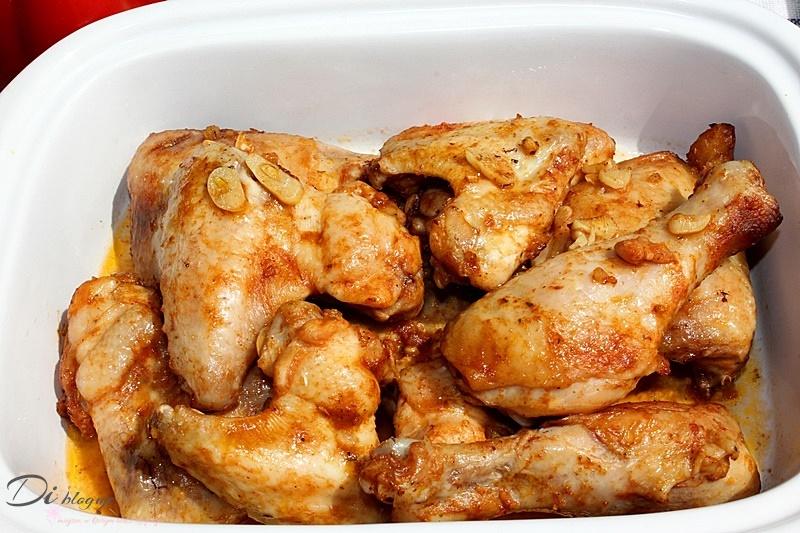 Kurczak pieczony w marynacie ketchupowo-czosnkowej z przyprawą rosołową