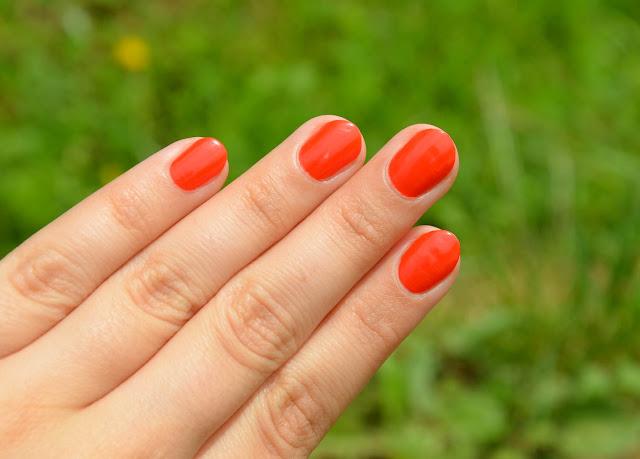 L.O.V LOVinity Long Lasting Nail Lacquer No. 131 Tangerine Dream
