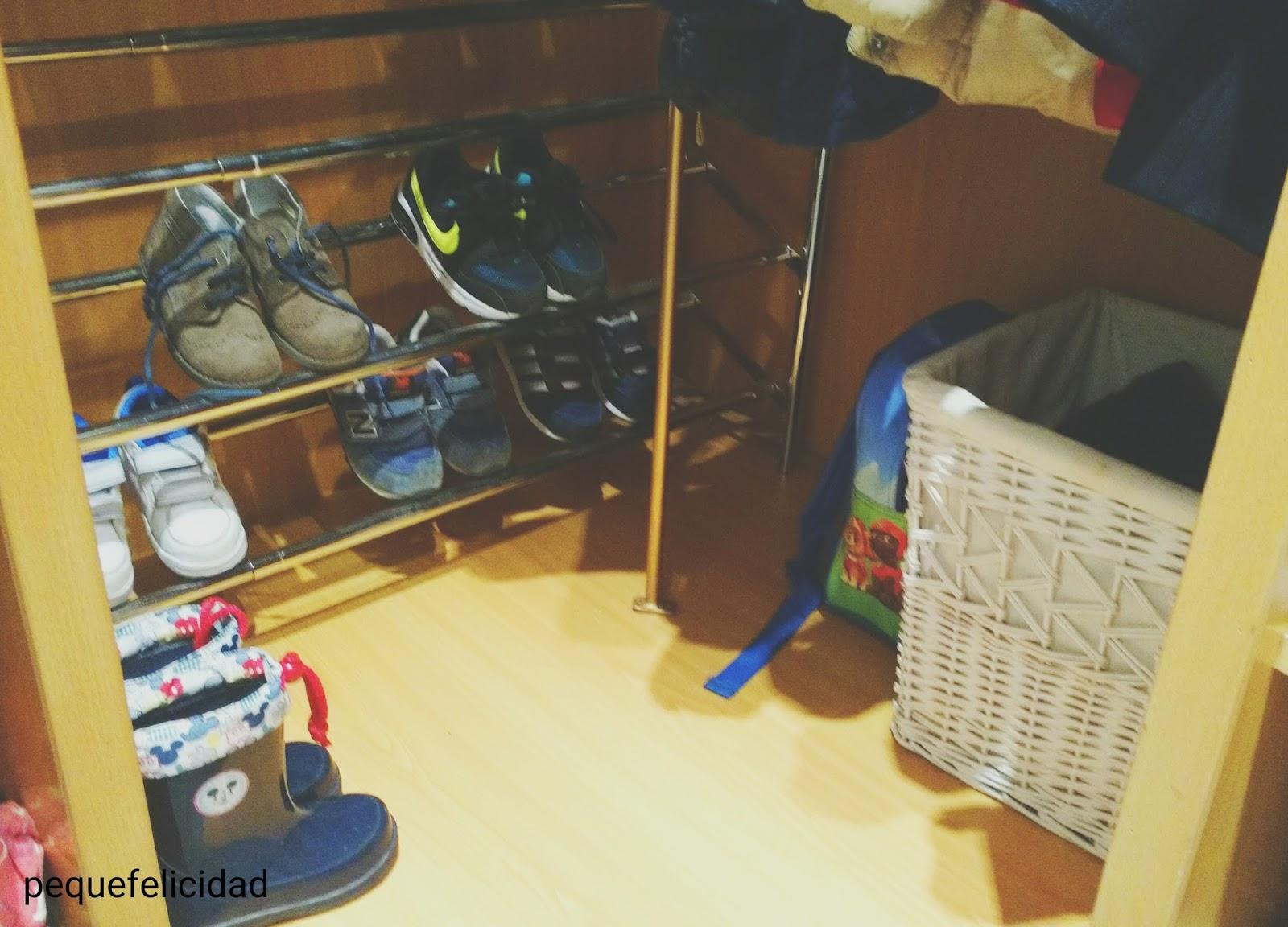 Pequefelicidad armarios montessori - Ordenar una habitacion ...