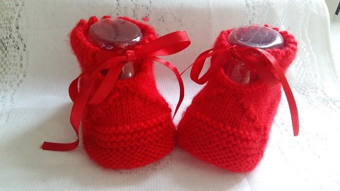 Botinha Vermelha  Em Tricô