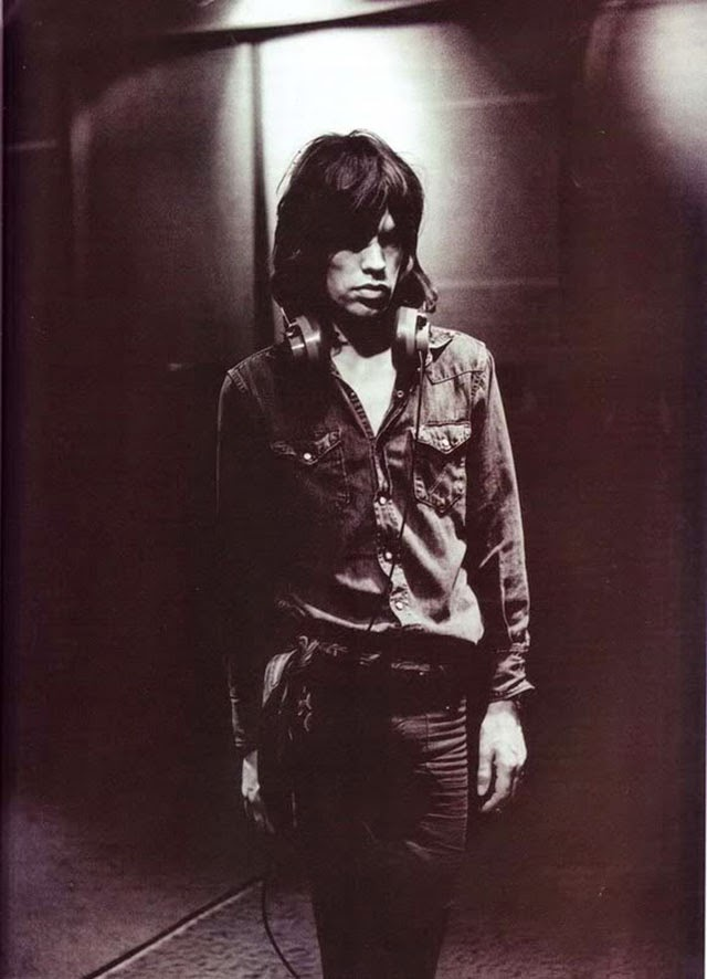 Rare Photos of a Young Mick Jagger from the 1960s ... 1990s Hairstyles Men