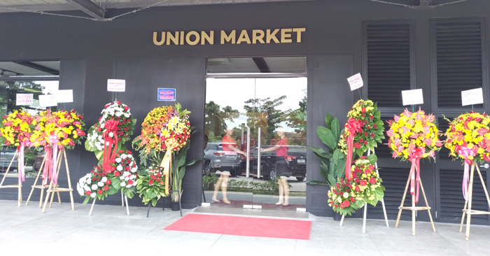 Union Market at Azuela Cove, R. Castillo St., Davao City
