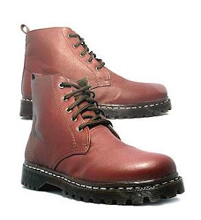 Booties style merupakan model sepatu wanita untuk dipakai kuliah
