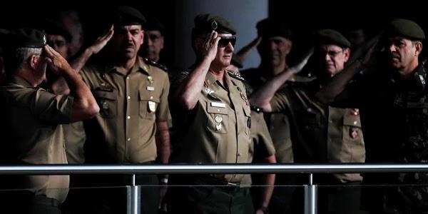 """Apesar da recomendação do Ministério Público Federal para que o golpe de 1964 não fosse comemorado, o Exército decidiu seguir a determinação do presidente Jair Bolsonaro, e """"rememorou"""" os 55 anos do golpe, tratado na cerimônia como um """"momento cívico-militar""""."""